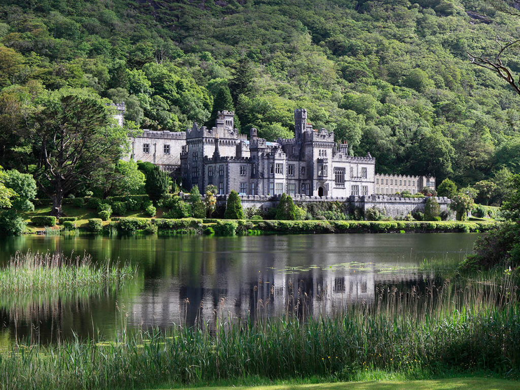 kylemore abbey visitor centre in connemara galway with