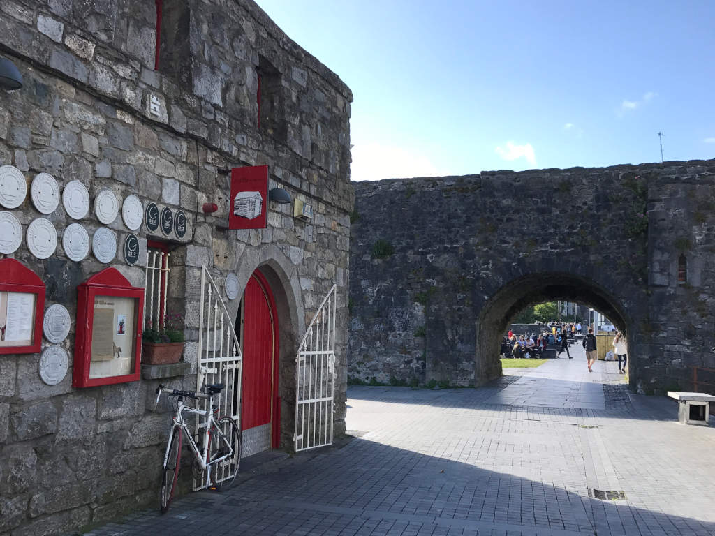 Rental Car Places >> Spanish Arch in Galway, the history with directions map and photos